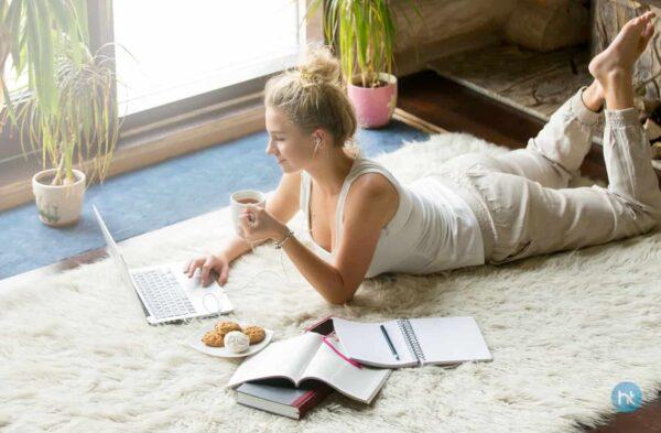 Menulis blog atau membuat website pribadi