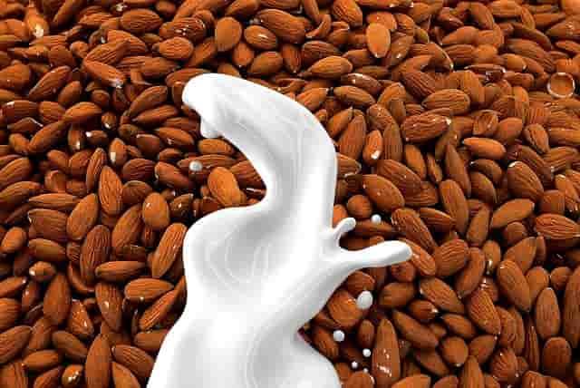Kacang Almond Dan Susu