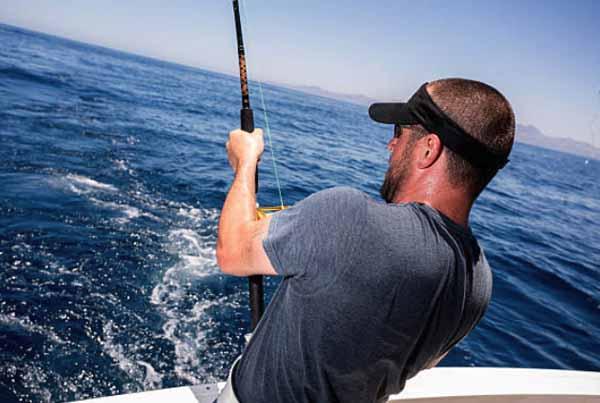 teknik jitu saat memancing di laut